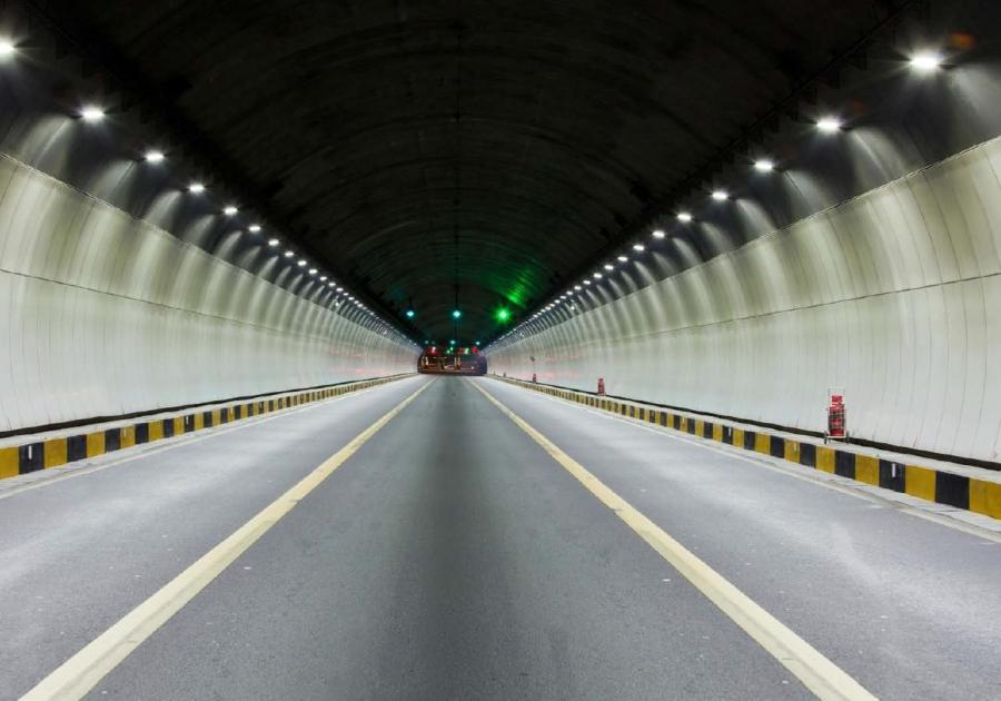 Iluminación de túneles y espacios cerrados